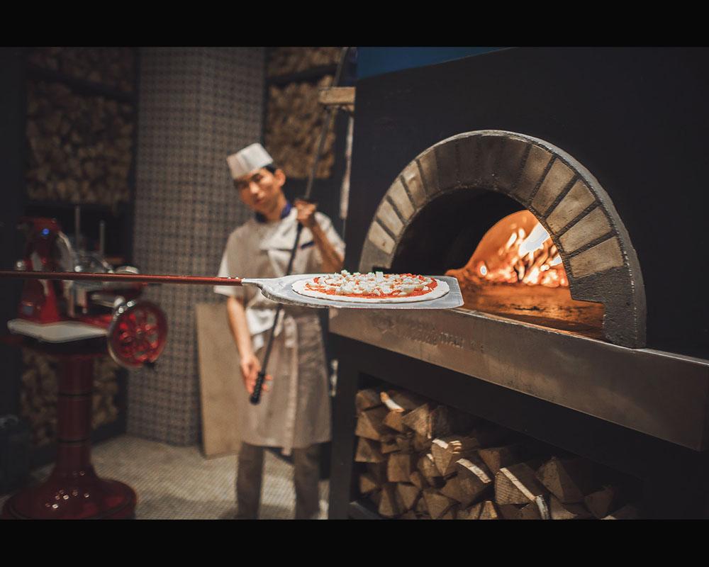 Репортаж в пиццерии.