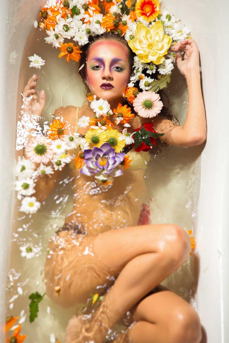 Фотосессия в Аква студии. Съёмка в ванне