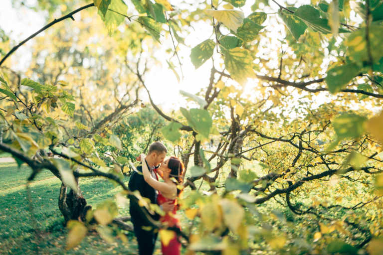 Свадебный фотографа, свадебная прогулка - романтичная серия